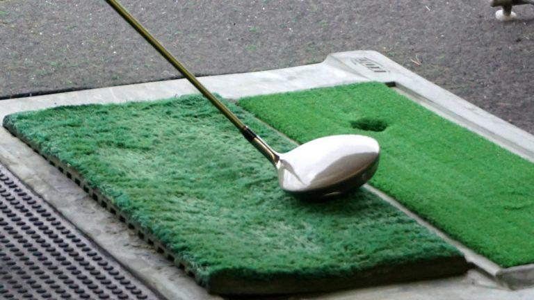 ゴルフ初心者必見!ドライバーのスライスの原因はシャフトにあり!