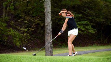 ゴルフのダフリが治らないのは何故?改善方法や練習方法について