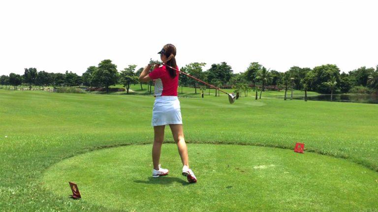 ゴルフのフィニッシュでよろける原因とその改善方法とは